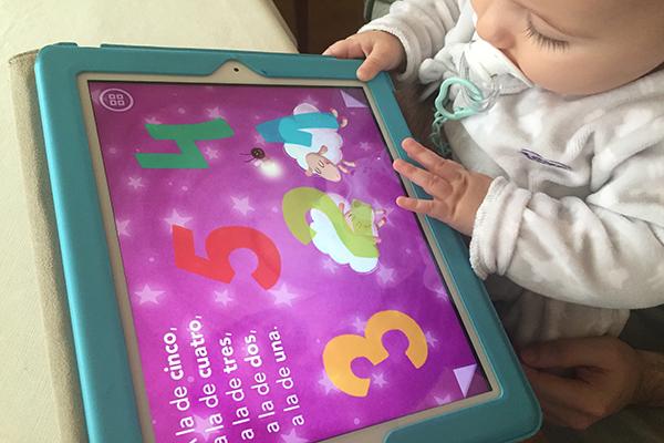 Nacer y crecer rodeado de cacharros no nos convierte en expertos digitales