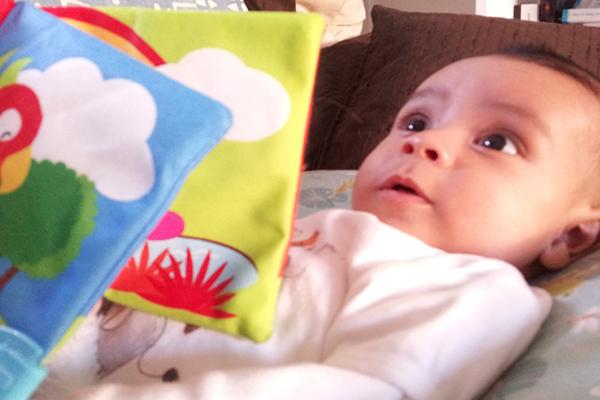 ¿En qué momento comienzan a hablar los bebés?