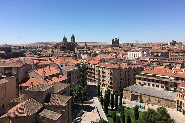 Aterrizamos en Salamanca entre hadas y gigantes