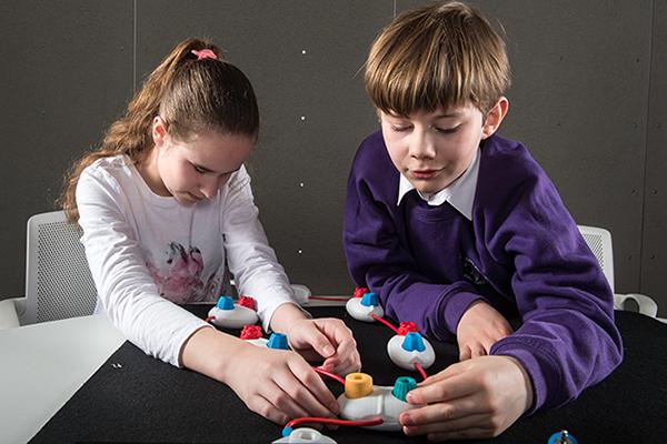 Project Torino, un sistema para enseñar a programar a niños invidentes