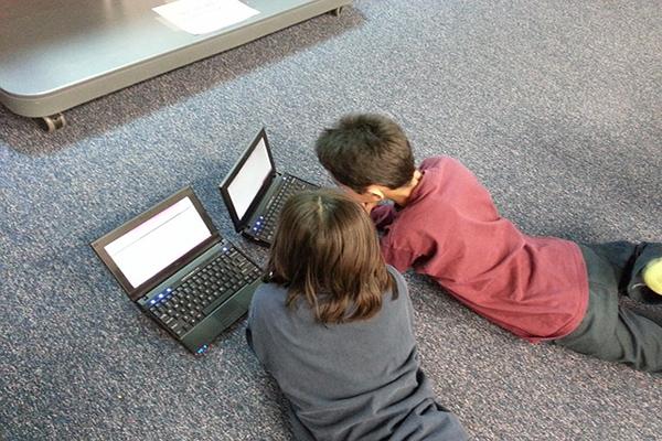 Cómo conseguir que los niños usen la tecnología de forma segura estas Navidades