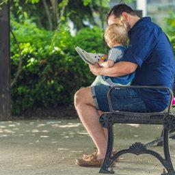 ¿Cuándo empezar a leerle a un bebé?