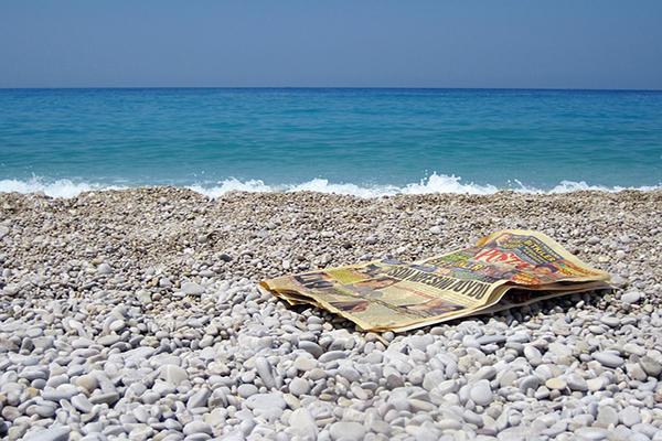 Leer noticias: una opción de interés para la práctica de la lectura en verano