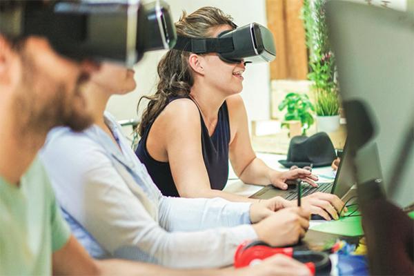 Tecnologías de última generación que llegarán al aula en los próximos años - Elisa Yuste. Consultoría en Cultura y Lectura