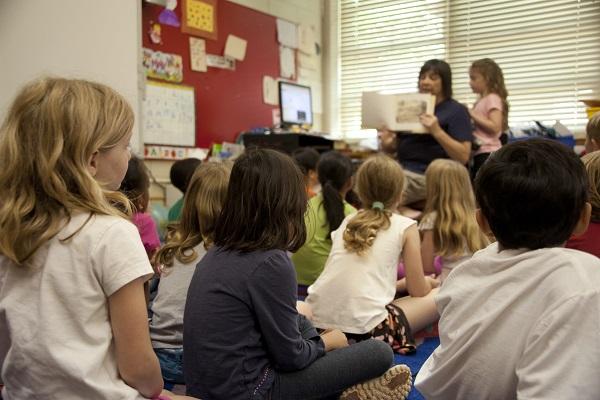 Efectos de la lectura compartida en la alfabetización de niños con autismo