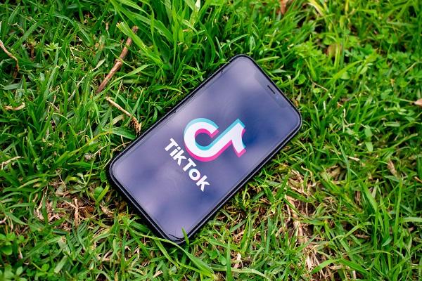 TikTok invierte en contenido educativo y de audio