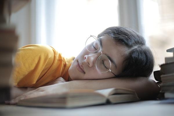 9 maneras de enseñar a las niñas y niños a odiar la lectura