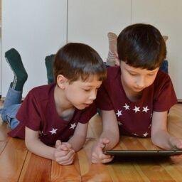 La pandemia aumenta el tiempo de pantallas en los niños
